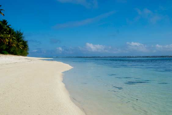 30 metres from a stunning white sandy beach, Cook Islands Sun, Rarotonga