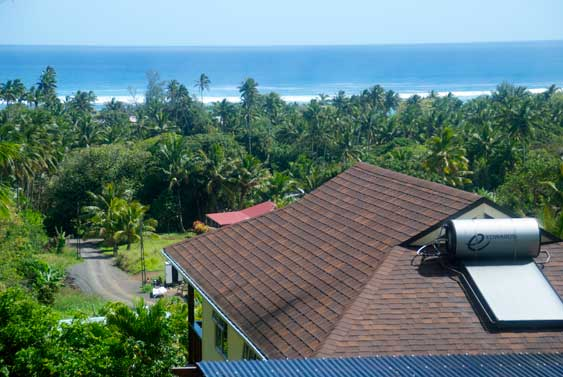commanding views of the ocean and Titikaveka area