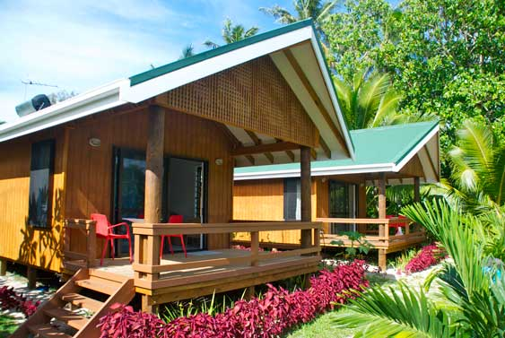 Lyas Bungalows exterior, two brand new studio bungalows