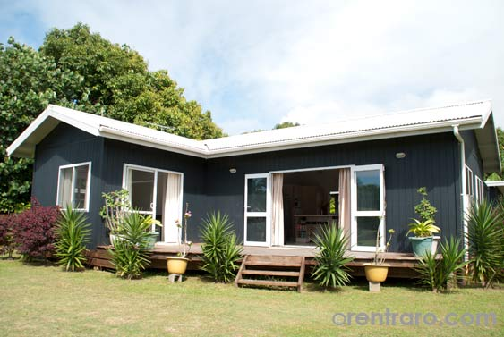 Maine villa rarotonga self catering two bedroom family for Meine villa